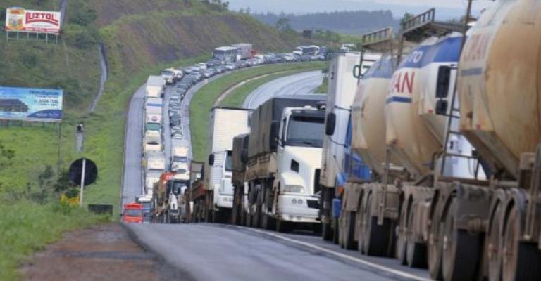 Acidentes e mortes em rodovias têm queda na Páscoa