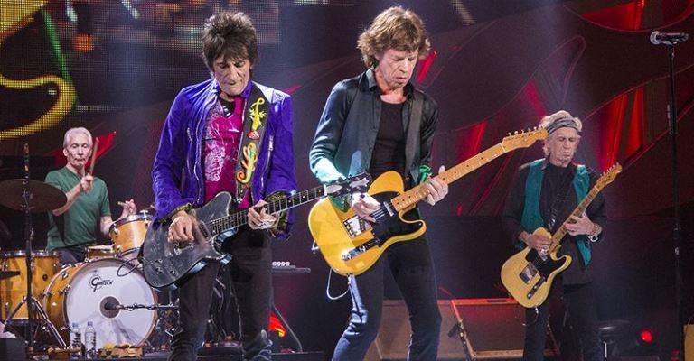 "The Rolling Stones lançam ""Scarlet"", faixa inédita, de 1974"