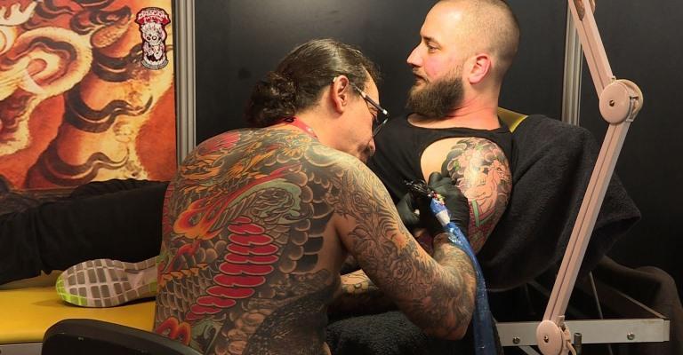 Como funciona o processo de cicatrização de uma tattoo