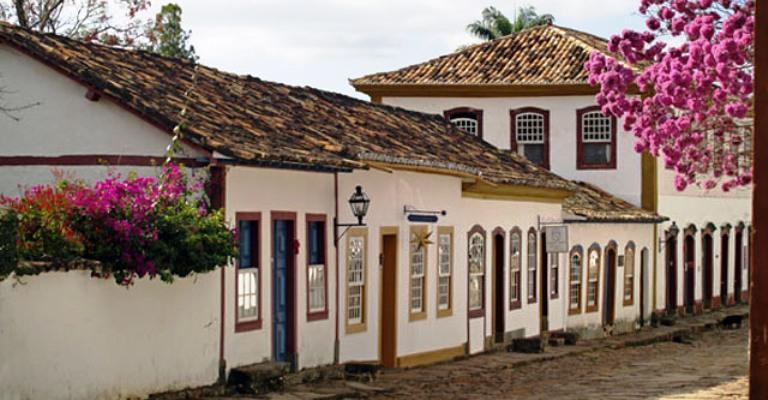 Tiradentes realiza 1ª edição da Feira Literária FLITI