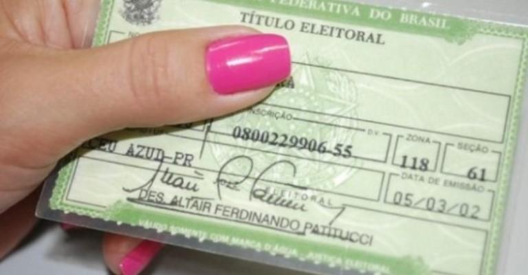 Travestis já podem ter nome social no título de eleitor