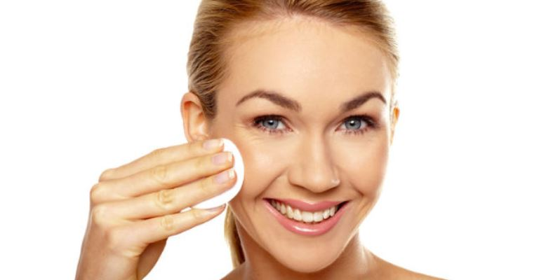 Veja as funções do tonificante na sua pele