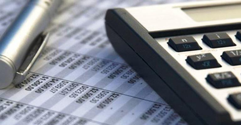 Empresas gastam R$162 bilhões por ano para acompanhar mudanças na legislação