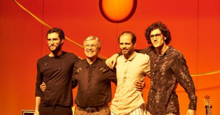 Ofertório apresenta Caetano, Moreno, Zeca e Tom Veloso