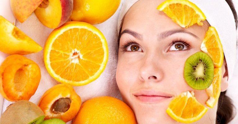 A vitamina C e seus benefícios sobre a pele