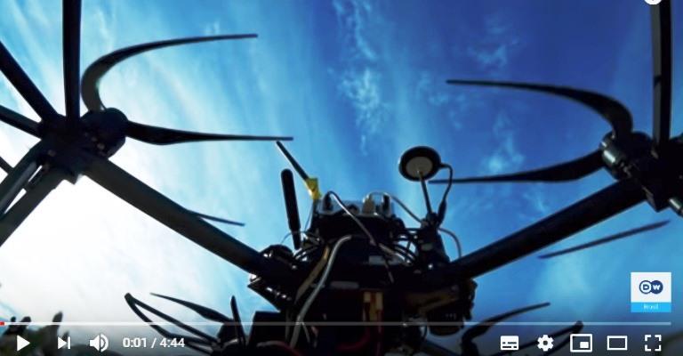 [Vídeo] Drones que conversam e tomam decisões sozinhos