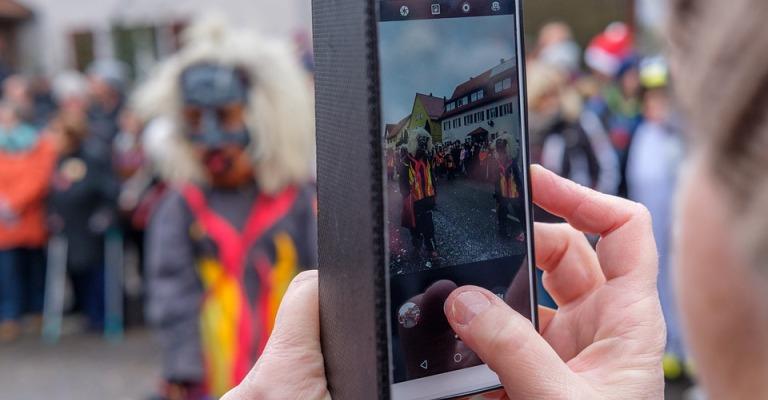 Furtos e roubos de smartphones aumentam no Carnaval