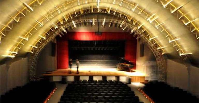 Belo Horizonte abre inscrições de projetos para uso dos teatros públicos