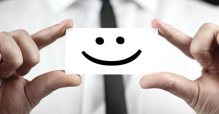 Estar feliz aumenta produtividade