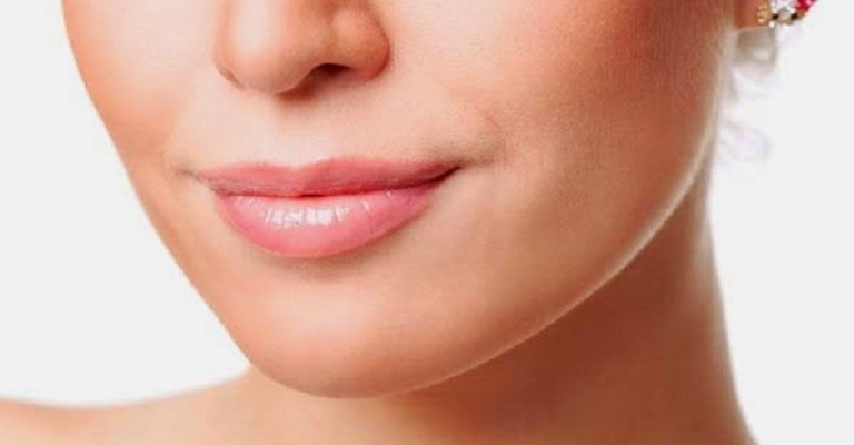 O que causa o envelhecimento do lábio superior?