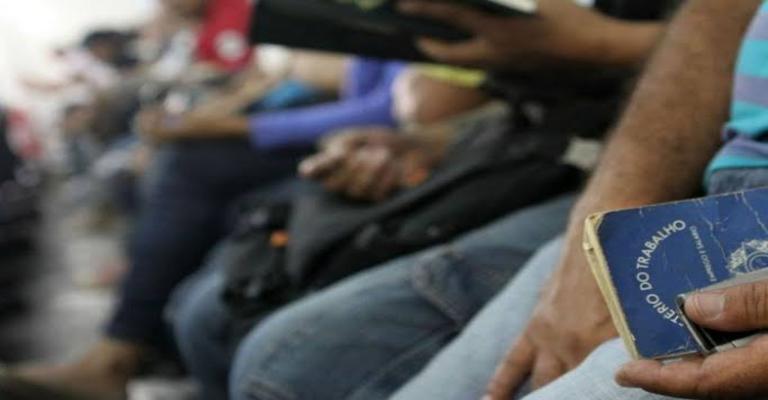Brasil tem 11,9 milhões de pessoas desempregadas, diz IBGE