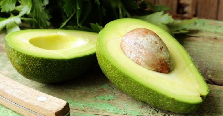 Abacate possui benefícios para todo o corpo