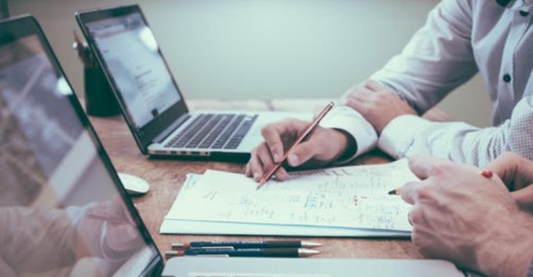 Alinhamento entre equipes de Trade Marketing e Comercial: como fazer?