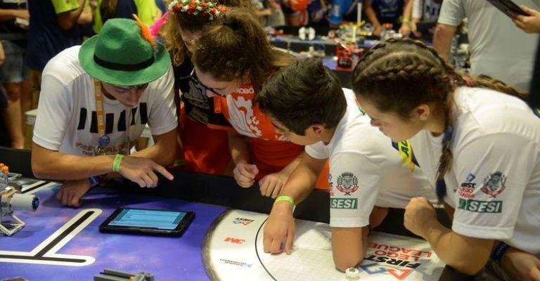 Rio recebe 1,2 mil alunos para competição de robótica