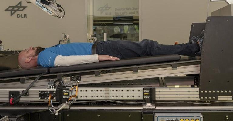 Cientistas alemães buscam voluntários para ficarem deitados