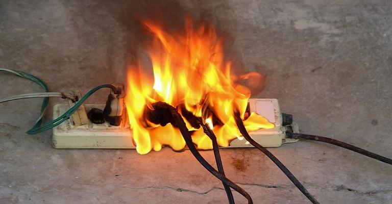 Mortes em incêndios por sobrecarga de energia crescem mais de 100%