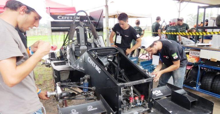 Equipe do CEFET-MG disputará competição de carros nos EUA