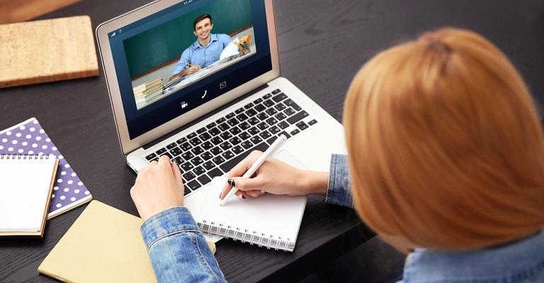 Coronavírus faz disparar procura por tutoria online