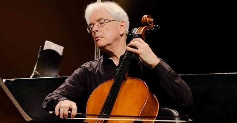 BH recebe concerto de violoncelos e piano
