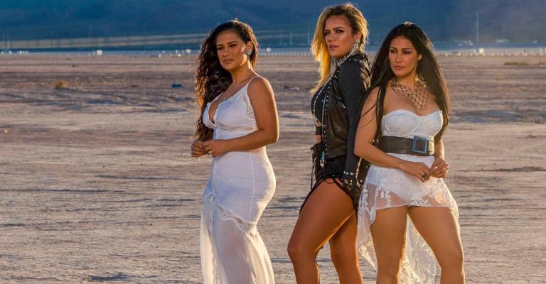 Simone e Simaria gravam clipe em Las Vegas com Karol G