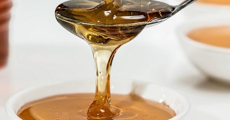 Norte de Minas é reconhecido como produtor do mel de aroeira