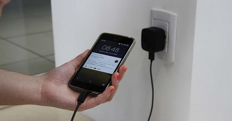 Um perigo constante: acidentes com celulares e dispositivos móveis