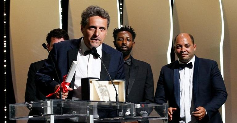 """Brasileiro """"Bacurau"""" leva Prêmio do Júri em Cannes"""