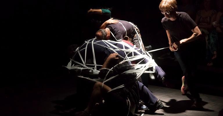 Teatro Francisco Nunes recebe mostra com espetáculos do Grupo Galpão