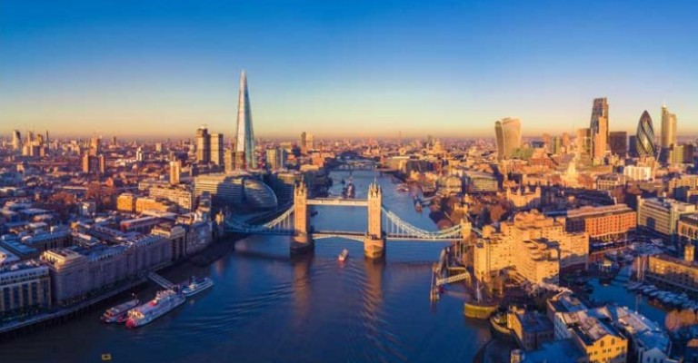 Intercâmbio na Inglaterra alavanca o futuro profissional de jovens