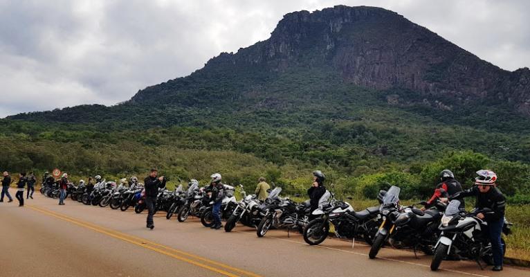 Um fim de semana diferente: de moto até Santana dos Montes
