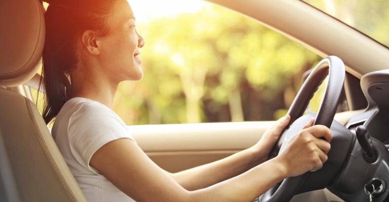 Levantamento mostra que mulheres são mais cuidadosas no trânsito