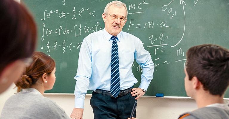 Diretor de escola: um gestor de pessoas ou gestor de conflitos?