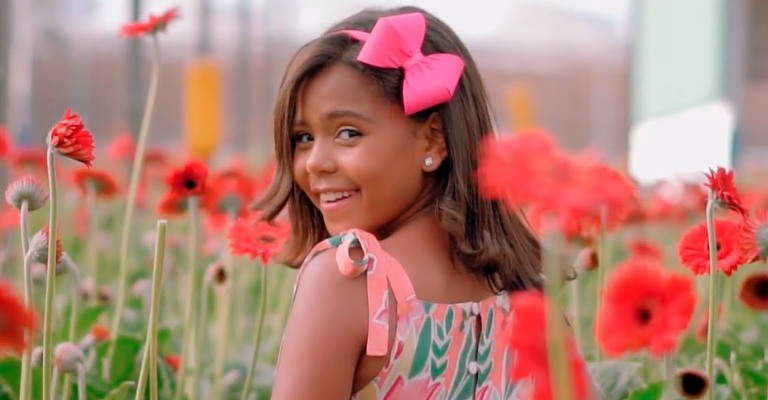 Revelação gospel, Sophia Vitória, lança novo single