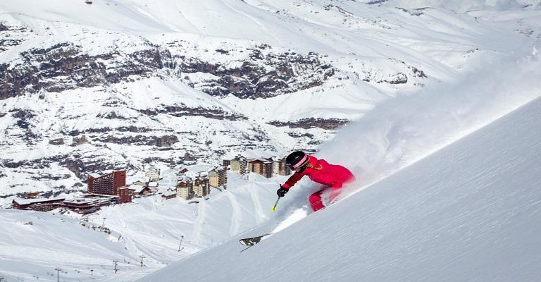 Vai esquiar e quer monitorar a montanha em tempo real? Conheça o app do Valle Nevado