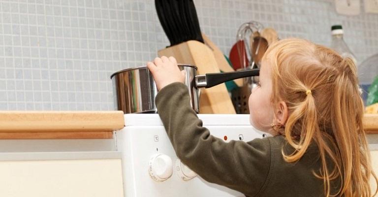 Férias escolares: atenção redobrada aos riscos de acidentes domésticos