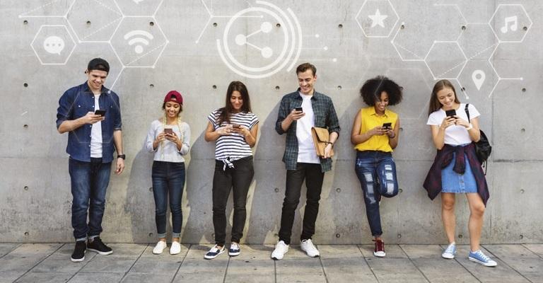Número de usuários de redes sociais crescerá mais de 11% no Brasil até 2025