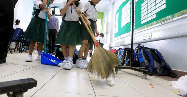 Por que o aluno deveria limpar sua escola?