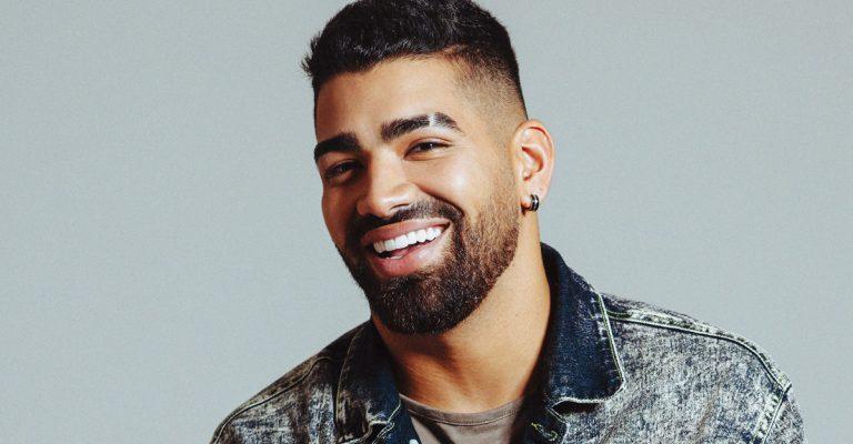 Dilsinho é o cantor mais ouvido em plataforma de streaming