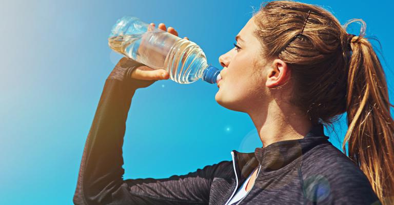 Não esqueça de beber água durante o inverno