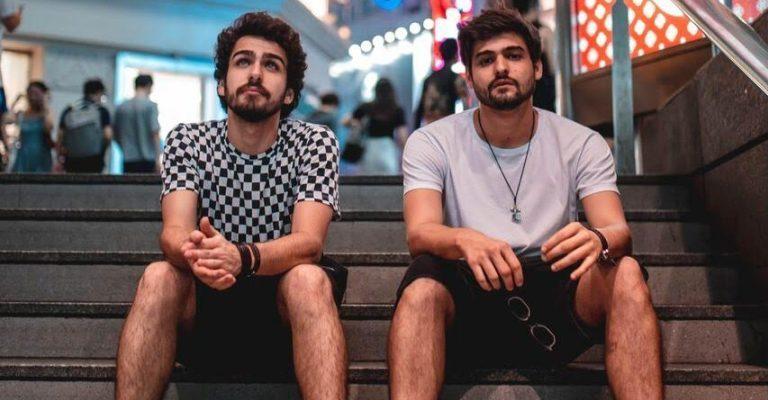 Cat Dealers retorna de turnê europeia após tocar em grandes festivais