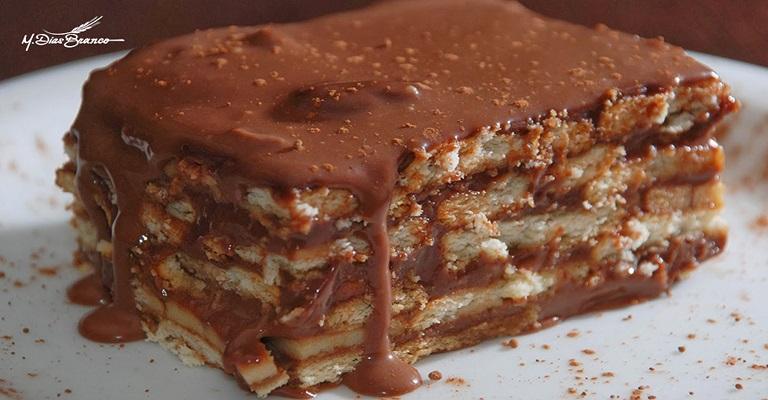 Anote no seu caderninho: torta de biscoito Maria