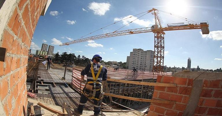 Construção civil respira e apresenta melhora