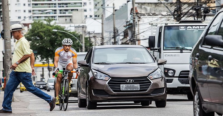 Somos bons motoristas, ciclistas e pedestres?