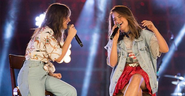 Júlia e Rafaela lançam single com Matheus e Kauan