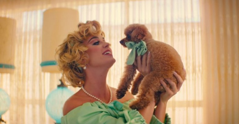 Katy Perry lança clipe da música 'Small Talk'