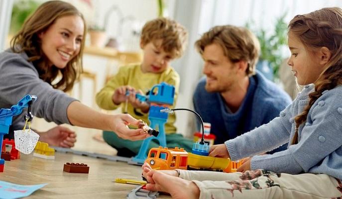No Dia das Crianças, o melhor presente é a presença dos pais