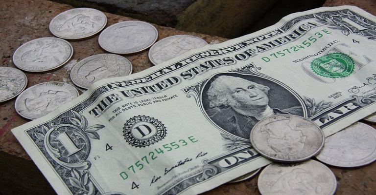 Gastos de brasileiros no exterior sobem para US$ 1,3 bi