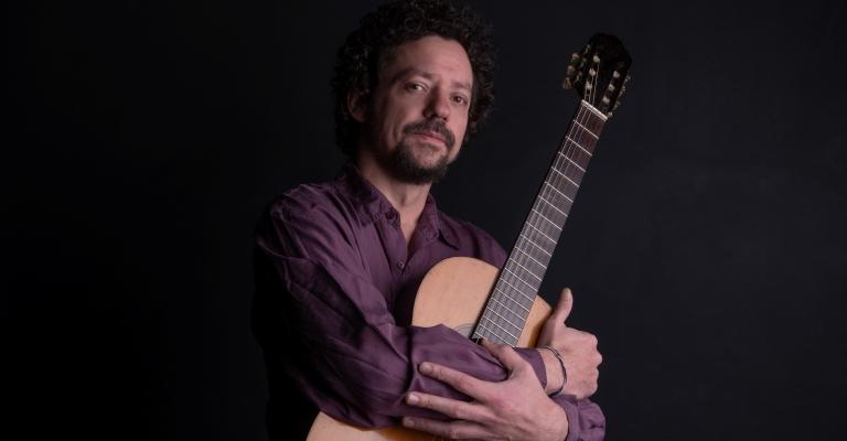 Chico Teixeira apresenta novo disco 'Ciranda de Destinos'
