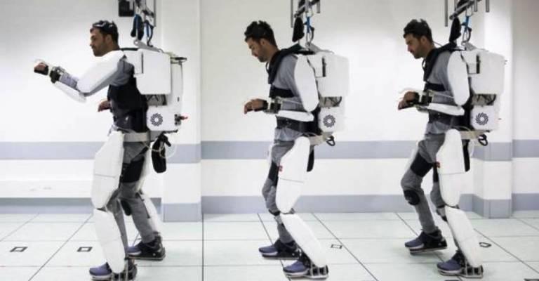 Exoesqueleto ajuda homem tetraplégico a andar novamente