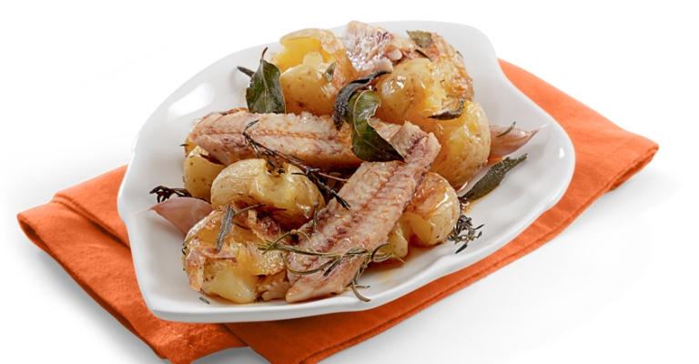 Mini batatas ao murro com filés de sardinha